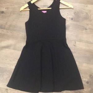 Bloomingdales Aqua brand girls' dress -size large